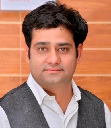 Vikram Madhwani, Head of Bakeries & Chief Chef